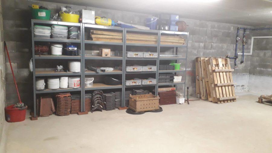 Der Keller unter dem Offenstall - hier herrscht jetzt Ordnung!