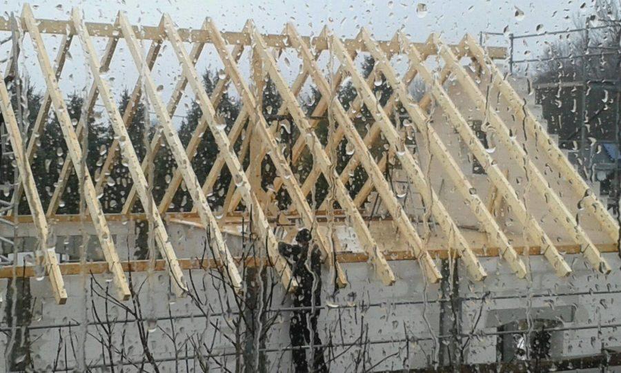 Der Dachstuhl ist fast fertig - Starkregen? EGAL!